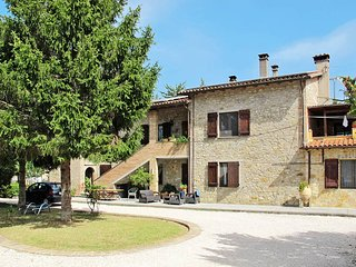 4 bedroom Apartment in Osteria di Ramazzano, Umbria, Italy : ref 5447893
