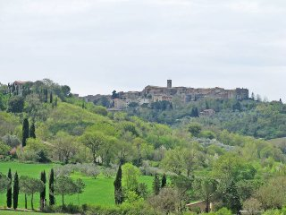 2 bedroom Apartment in Casole d'Elsa, Tuscany, Italy : ref 5447384