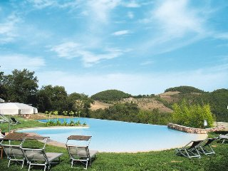 3 bedroom Apartment in Casole d'Elsa, Tuscany, Italy : ref 5447378