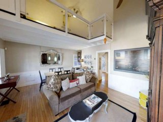 Modern Loft with Historic Charm - 5 min Walk to Shops & Restaurants! Free Street