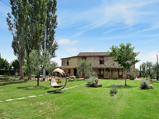 6 bedroom Villa in Castelvecchio Pascoli, Tuscany, Italy : ref 5447236