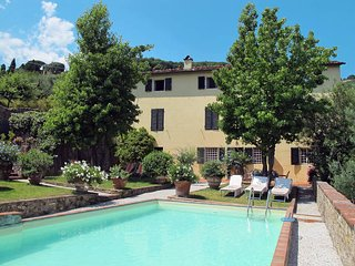 4 bedroom Villa in Arsina, Tuscany, Italy : ref 5447216