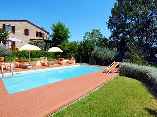 4 bedroom Villa in Luiano, Tuscany, Italy : ref 5446734