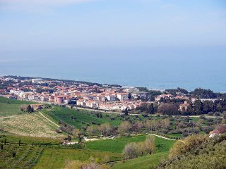 4 bedroom Villa in Minghetti, Abruzzo, Italy : ref 5444951