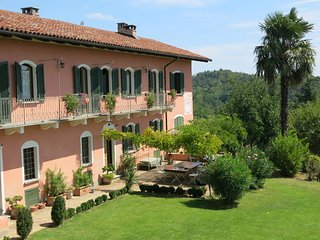 5 bedroom Villa in Vadonia, Piedmont, Italy : ref 5443260