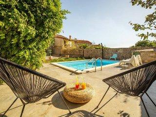 3 bedroom Villa in Kanfanar, Istarska Zupanija, Croatia : ref 5439751