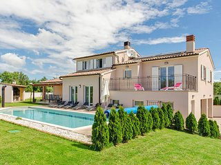 4 bedroom Villa in Šišan, Istarska Županija, Croatia : ref 5439514