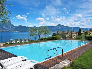 2 bedroom Apartment in Torri del Benaco, Veneto, Italy : ref 5438839