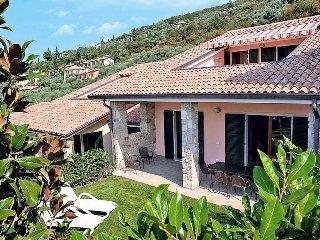3 bedroom Apartment in Torri del Benaco, Veneto, Italy : ref 5438851