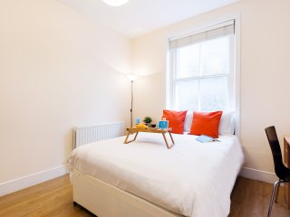 The Earls Court Townhouse - KM