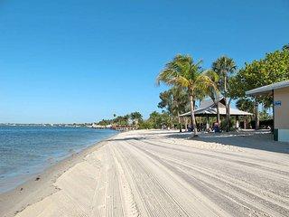 3 bedroom Villa in Cape Coral, Florida, United States of America : ref 5437960