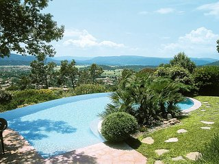4 bedroom Villa in Gareoult, Provence-Alpes-Cote d'Azur, France : ref 5437059