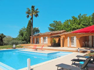 4 bedroom Villa in Bagnols-en-Foret, Provence-Alpes-Cote d'Azur, France : ref 54