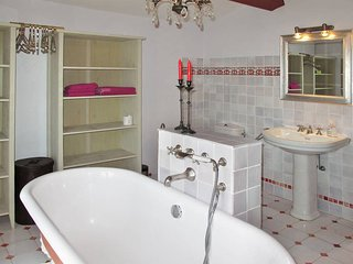 2 bedroom Villa in Vence, Provence-Alpes-Côte d'Azur, France : ref 5436185