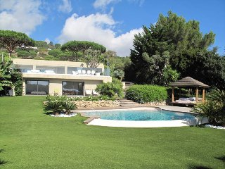 5 bedroom Villa in Ramatuelle, Provence-Alpes-Côte d'Azur, France : ref 5436118