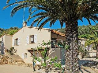4 bedroom Villa in La Cadiere-d'Azur, Provence-Alpes-Cote d'Azur, France : ref 5