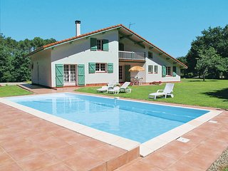 4 bedroom Villa in Magescq, Nouvelle-Aquitaine, France : ref 5434931