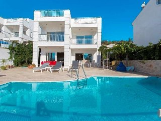 Kalkan Villa Sleeps 10 with Pool - 5433532