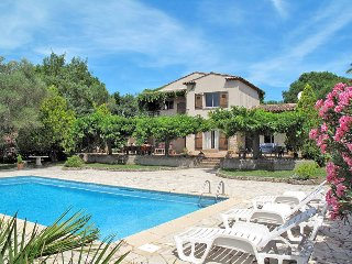 4 bedroom Villa in Grimaud, Provence-Alpes-Côte d'Azur, France : ref 5435987