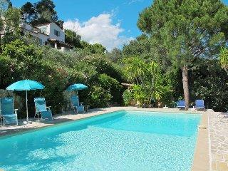 5 bedroom Villa in Grasse, Provence-Alpes-Côte d'Azur, France : ref 5435947