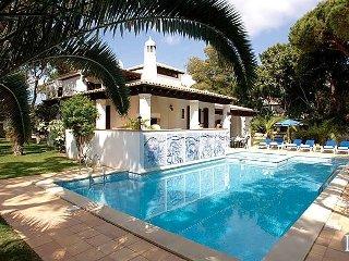 4 bedroom Villa in Olhos de Água, Faro, Portugal : ref 5433420