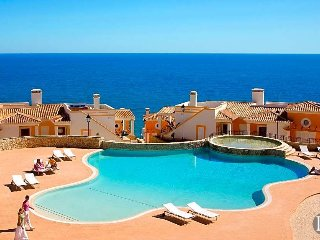 3 bedroom Villa in Burgau, Faro, Portugal : ref 5433259