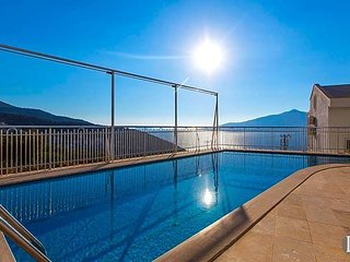 Kalkan Villa Sleeps 10 with Pool - 5433253