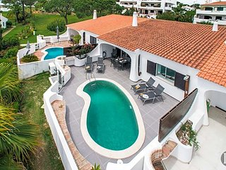 3 bedroom Villa in Vale do Lobo, Faro, Portugal : ref 5433536