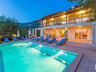 5 bedroom Villa with Pool, Air Con and WiFi - 5433200