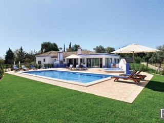 3 bedroom Villa in Boliqueime, Faro, Portugal : ref 5433183