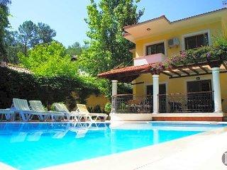 Gocek Villa Sleeps 6 with Pool Air Con and WiFi - 5433125