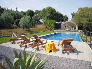 Macchia di Giarre Villa Sleeps 6 with Pool and WiFi - 5433104
