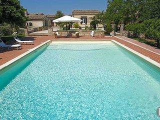 Ragusa Ibla Villa Sleeps 6 with Pool and Air Con - 5433088