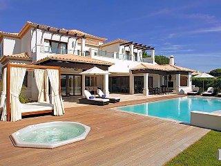 4 bedroom Villa in Olhos de Agua, Faro, Portugal : ref 5433081