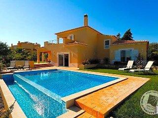 3 bedroom Villa in Carvoeiro, Faro, Portugal : ref 5433043