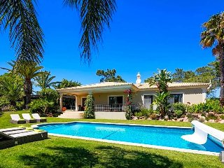 3 bedroom Villa in Vilamoura, Faro, Portugal : ref 5433026