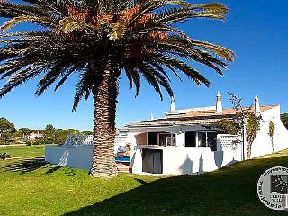 2 bedroom Villa in Vale do Lobo, Faro, Portugal : ref 5433023