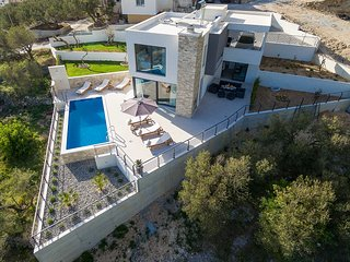 Holiday home Oscar with pool in Makarska