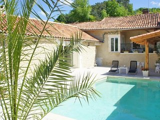 Cosy cottage with pool in Dordogne