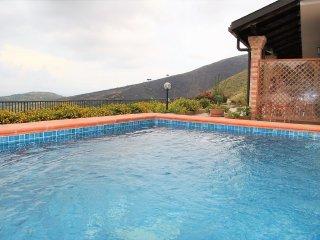 VIlla pour 10 personnes, avec piscine