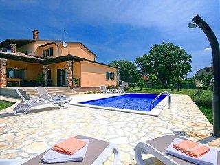 5 bedroom Villa in Sveti Lovrec Pazenaticki, Istarska Zupanija, Croatia : ref 54