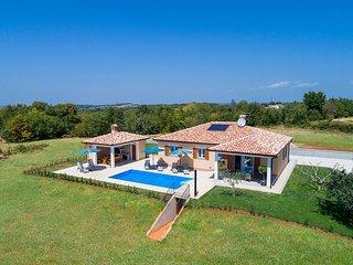 3 bedroom Villa in Tinjan, Istarska Županija, Croatia : ref 5426586