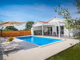 2 bedroom Villa in Pula, Istarska Županija, Croatia : ref 5426581
