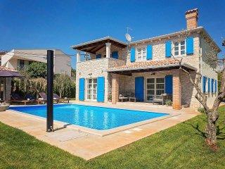 4 bedroom Villa in Visignano, Istarska Županija, Croatia : ref 5426568