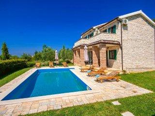 4 bedroom Villa in Visignano, Istarska Zupanija, Croatia : ref 5426431