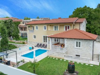 4 bedroom Villa in Tinjan, Istarska Zupanija, Croatia : ref 5426426