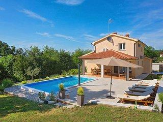 4 bedroom Villa in Tinjan, Istarska Županija, Croatia : ref 5426415
