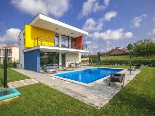 2 bedroom Villa in Poreč, Istarska Županija, Croatia : ref 5426414