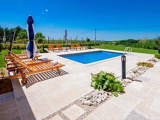 5 bedroom Villa in Karojba, Istarska Županija, Croatia : ref 5426397