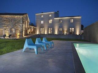 5 bedroom Villa in Tinjan, Istarska Županija, Croatia : ref 5426383